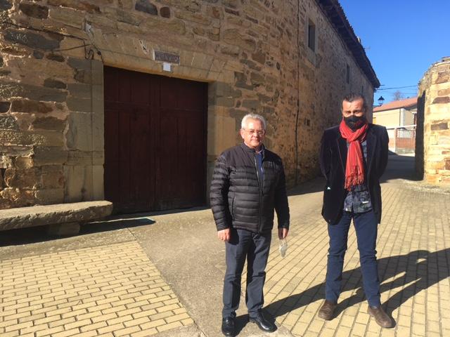El ayuntamiento de Santa Colomba de Somoza presenta un nuevo proyecto para acondicionar la cruz de Fierro