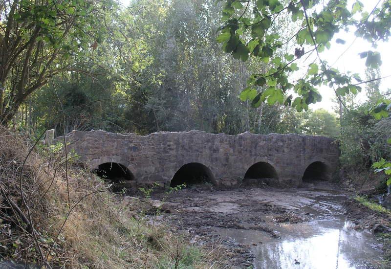 El georradar detecta restos de lo que podría ser la muralla antigua de Palacios de la Valduerna