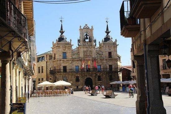 Agotados los bonos de la campaña 'Astorga On'