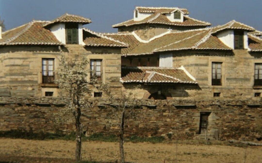 Patrimonio autoriza el estudio del Plan Especial de Conjunto Histórico De Santiago Millas y aprueba la restauración del retablo de La Baña