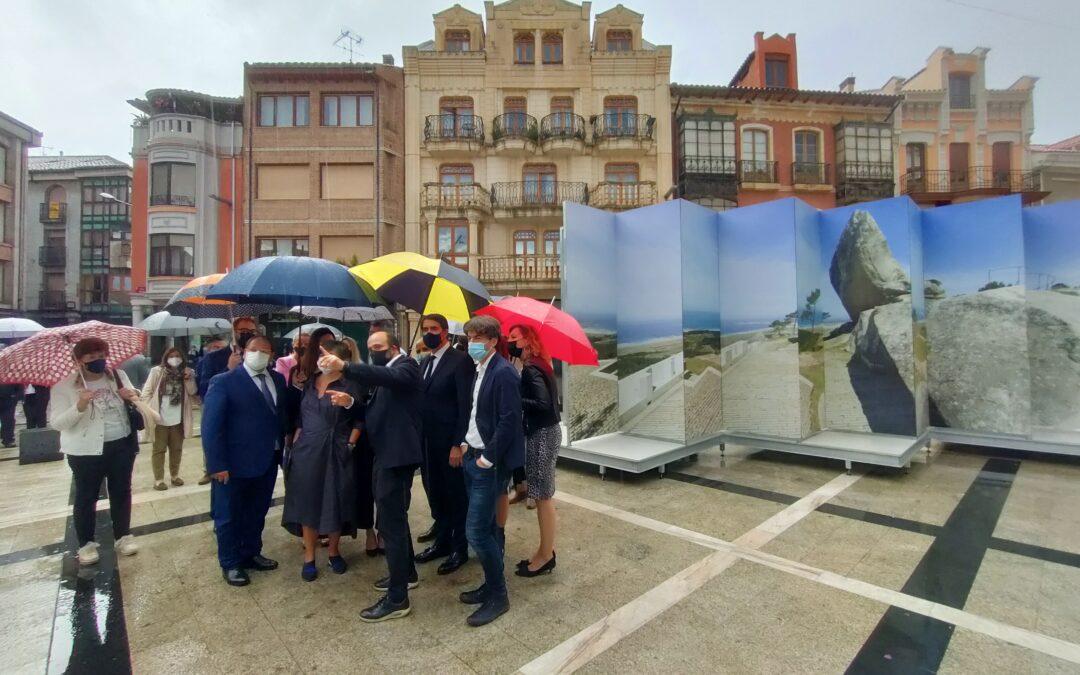 Los 20 proyectos ganadores de la XV Bienal de Arquitectura 'dialogan' ya con la plaza  modernista de La Bañeza