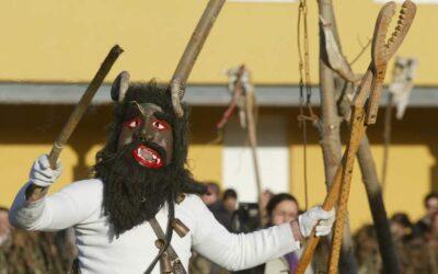 Un total de 16 grupos de mascarados, con 241 integrantes, participarán en el desfile de mascarados del I Congreso Internacional de Carnaval de La Bañeza